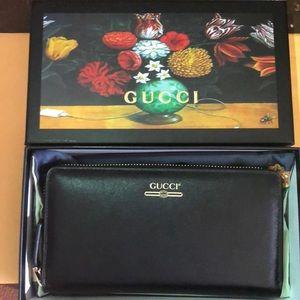 Women's Gucci wallet